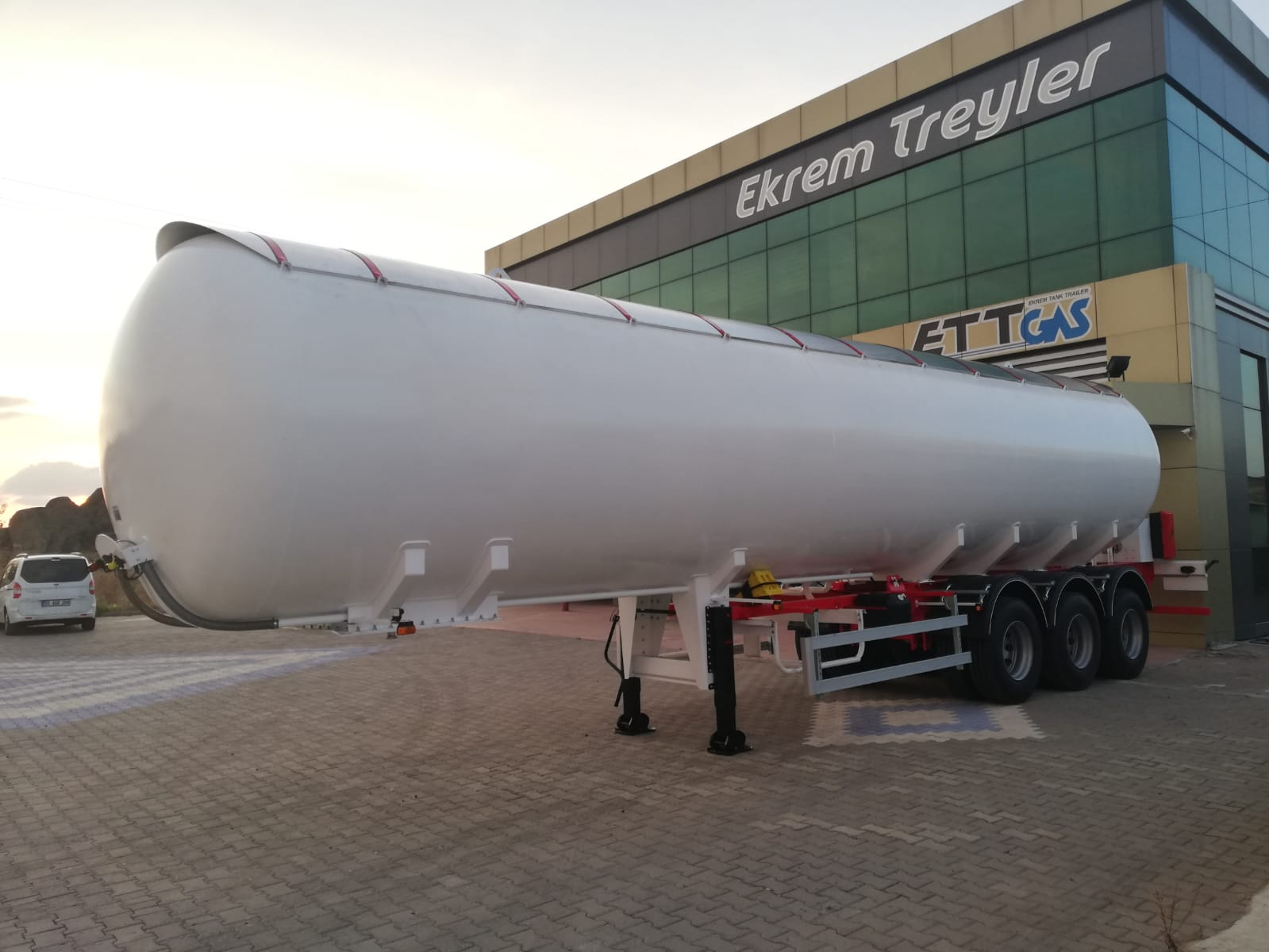 57 m3 LPG TRAILER 5PCS WE SENT AFRICA